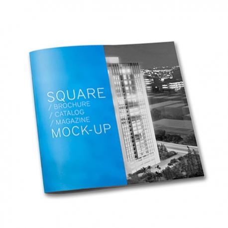 Brochure carré 30 x 15 cm pliée en 15 x 15 cm